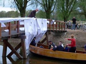 Opening heringerichte Wijnhofpark en onthulling naam brug